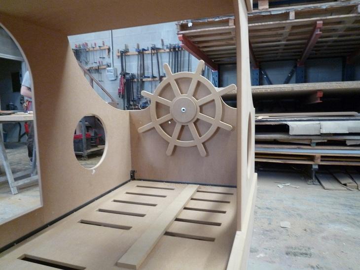 cama barco pirata en fabricación 3