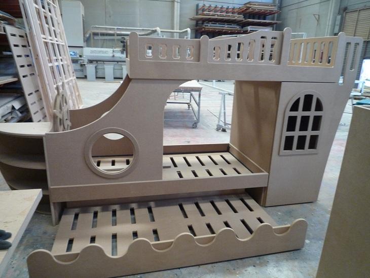 cama barco pirata en fabricación 2