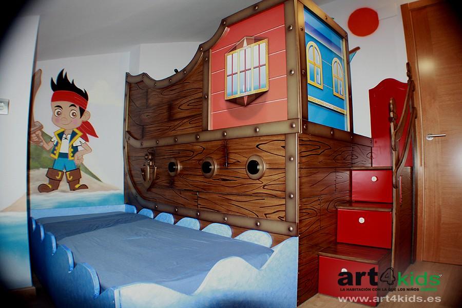 Habitación temática-Cama barco pirata