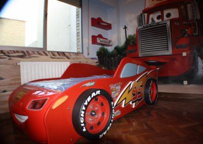 Habitación temática infantil cars