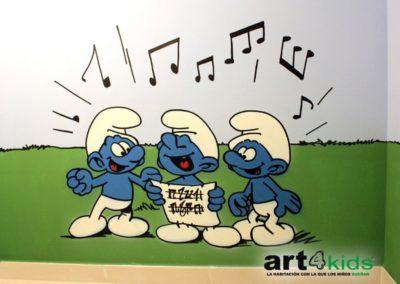 habitacion-tematica-mural-infantil-pitufos-cantando